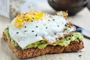 Petit-déjeuner Crossfit aliments pain complet