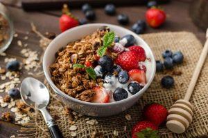 Petit-déjeuner Crossfit aliments yaourt nature grec